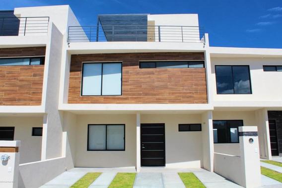 Casa En Venta En El Refugio, Queretaro, Rah-mx-20-3373