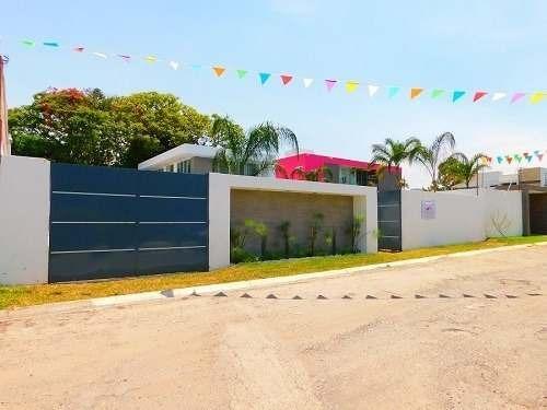 Venta De Casa Minimalista En Fracc Real De Oaxtepec