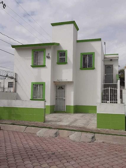 Casa Con Depto Planta Alta Y Local Comercial En Planta Baja