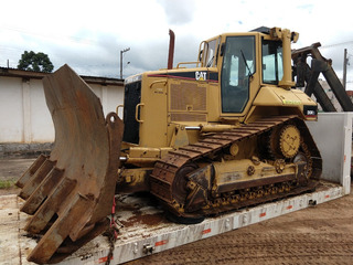 Trator De Esteira - D6 Nxl - 2004