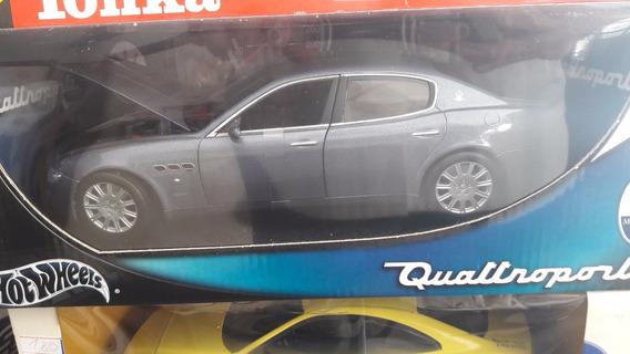 Miniatura De Veículo Maserati Quattroporti