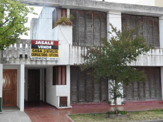 Importante Casa De 3 Niveles, Magdalena
