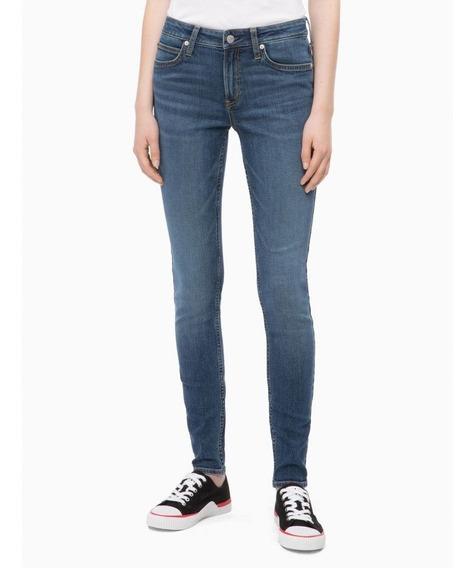 Jeans Calvin Klein Ajustados De Tiro Medio Para Mujer Azul