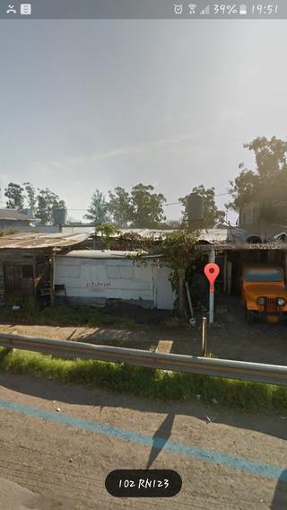 Local Con Parrilla Y Habitaciones .