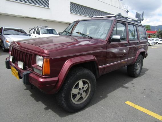 Jeep Cherokee At 4000cc 4x4