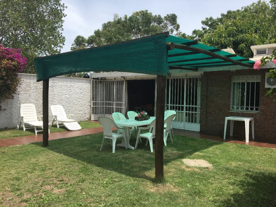 Casa Costa Azul - Canelones (media Cuadra De La Playa).