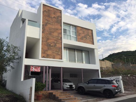 Casa En Venta, Punta Esmeralda