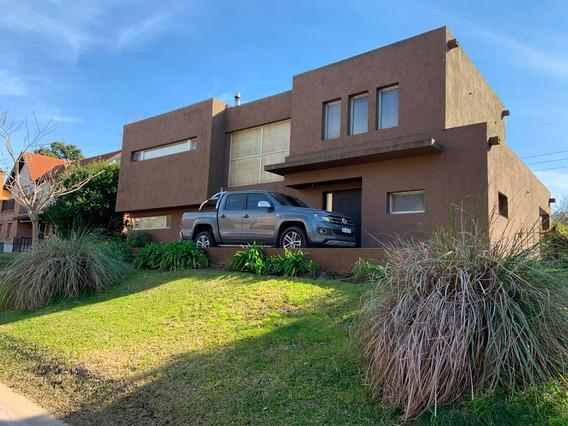 Casa 5 Amb Con Piscina Y Parrilla -barrio Las Araucarias