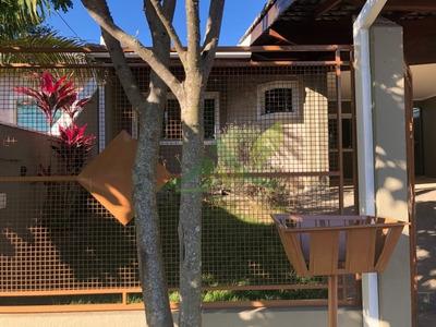 Linda Casa Térrea Em Atibaia Ótima Localização - 1033