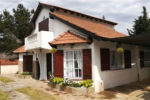 Casa Duplex Tipo Chalet Semi Independiente - Zona Centro