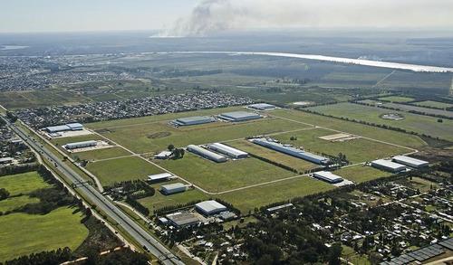 Fracción En Venta 48800 M2 En Parque Industrial Campana. Financiación
