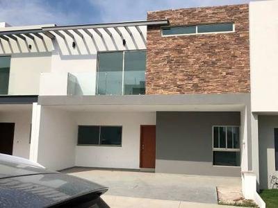 Casa En Venta Y Renta En Solares, Coto Fonteé.