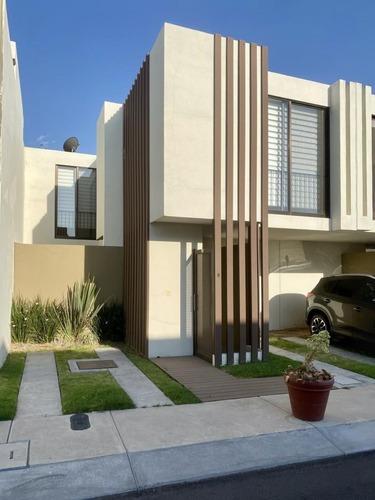 Casa En Venta. Diamante Residencial, El Refugio, Quertaro. Rcv200425-cp