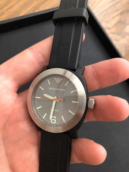 Relógio Emporio Armani Preto Com Aro Em Aço Escovado