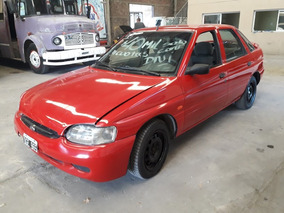 Ford Escort 1.8 Ghia I Año 2000 Color Bordo