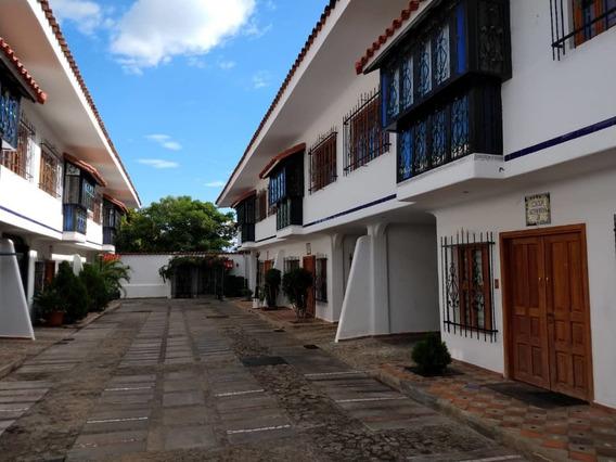 Townhouse Barrio Sucre / Ovidio Gonzalez / 04243088926