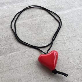Colar Cordão Choker Camurça + Pingente De Coração De Resina
