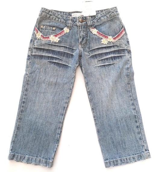 Calça Jeans Capri Feminina Com Bordado Kishny