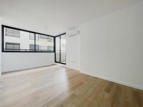 Venta De Apartamento De 2 Dormitorios Con Terraza Y Parrillero En Prado