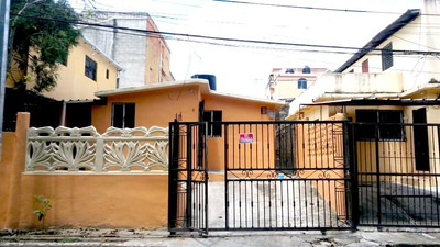 Alquilo Casa Solo 3 Habs. Urb. Eden Santo Domingo Norte.