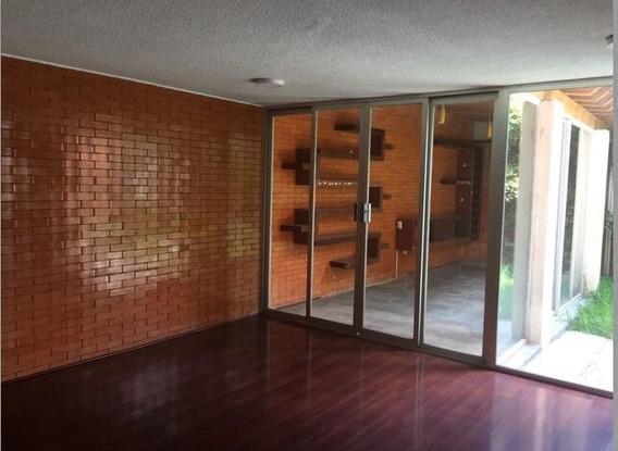 Venta Casa En Centro De Puebla Con Jardín, Excelente Oportun