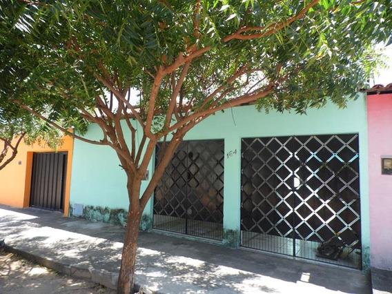 Casa Com 2 Quartos No Mondubim, Quintal, Garagem