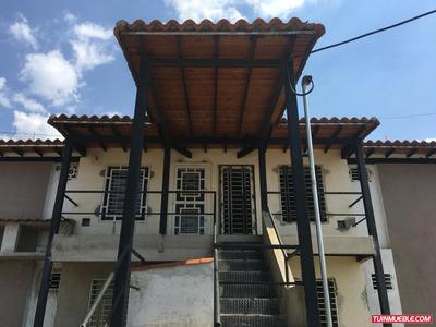 Townhouses En Venta 04125078139