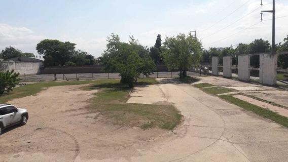 Alquiler De Gran Terreno En Barrio San Carlos!!!