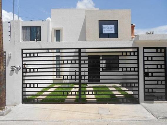 Casa En Venta En Morelia En Col. Ricardo Flores Magón
