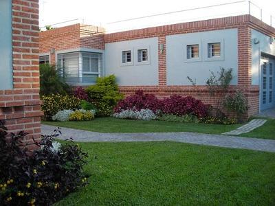 Castelar Norte Impecable Casa 4 Amb En Venta Amplio Parque