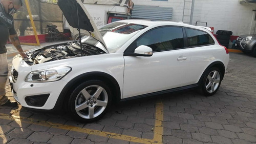 Volvo C30 2.5 Kinetic L5 Turbo Geartronic At 2011