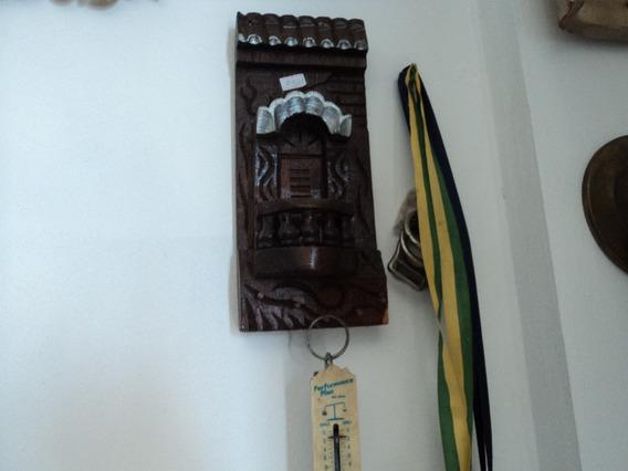 Porta Chaves Em Madeira Entalhada.
