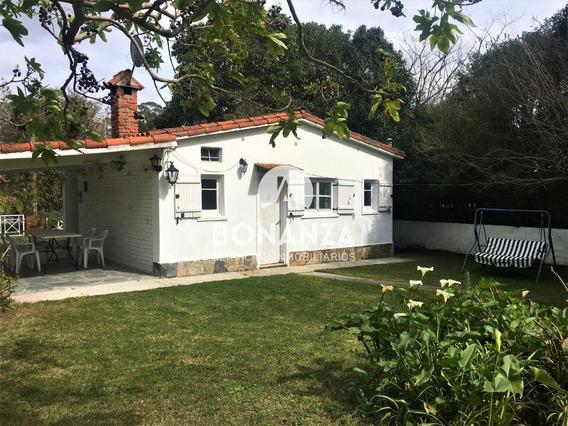 Casa En Venta, Piriápolis, Centro. 600m Playa.