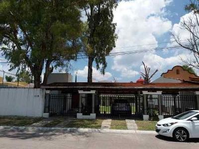 Hermosa Casa Muy Amplia En Renta O Venta Ubicada En Villas Del Meson Juriquilla