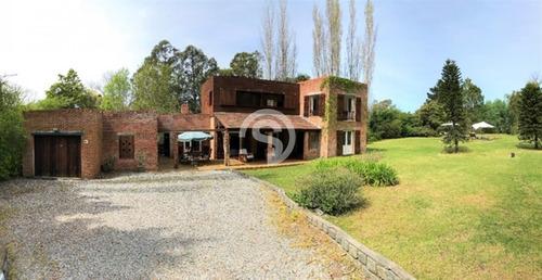 Excelente Casa En Venta En Zona Golf, Financiación - Ref: 4781