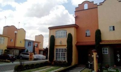 Casa En Fracc. Hda. La Galia, Toluca.