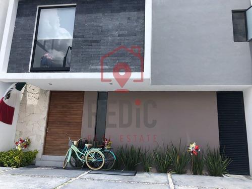 Imagen 1 de 19 de Casa De 5 Hab. + Roof Garden En Condesa Juriquilla