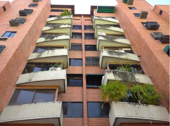 Apartamento En Venta Urb. Base Aragua- Maracay 21-7765ejc