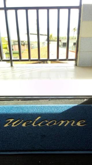 Maison C.a Vende Hermoso Apartamento En Tucacas 04243395895