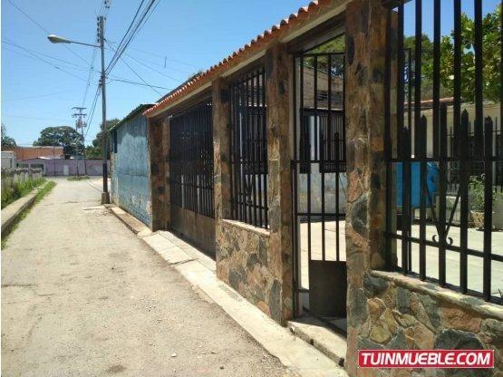 Angel Y Raiza Vende Casa En El Palotal Código: 1578076