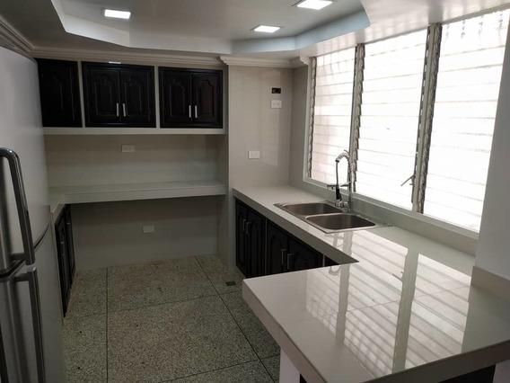 Apartamento En Alquiler/ Res El Centro/ Sharon S 04164336702