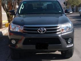 Toyota Hilux Impecable 2016 4 Puertas