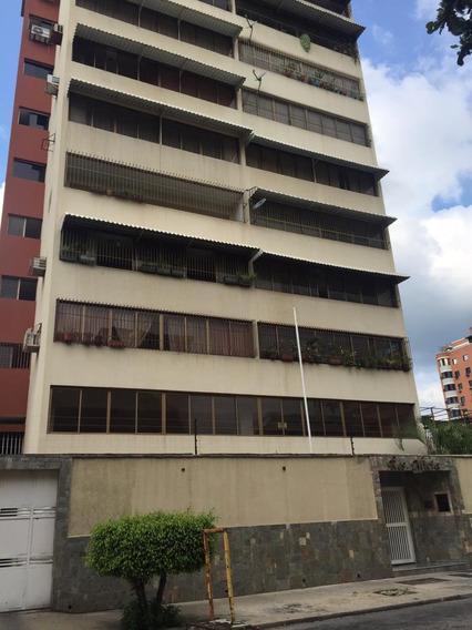 Apartamento En La Urb. Calicanto