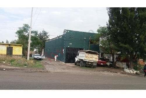 Bodega Amplia Con Oficina Y Baño Completo En Venta, En Morelia, Michoacan