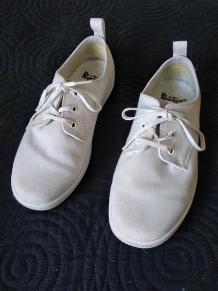 Zapatillas Lona Blancas Dr Martens.