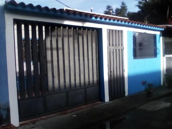 Casa Económica En El Junco