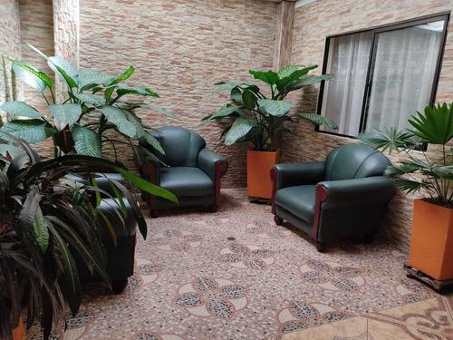 Casa En Venta 4 Habitaciones Y 4 Ambientes