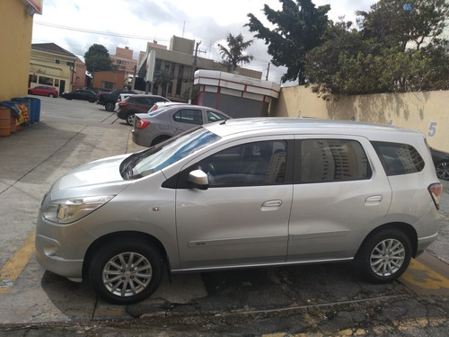 Imagem 1 de 4 de Chevrolet Spin 2013 1.8 Lt 5l 5p