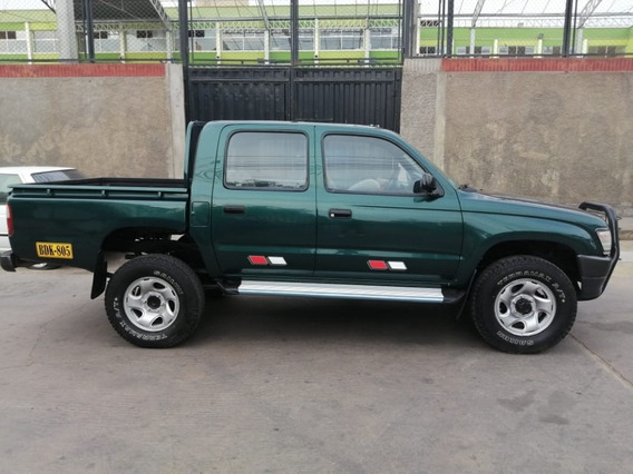 Toyota Hilux Año 2000, Gasolina, Mecánica, 4x4, Japonesa