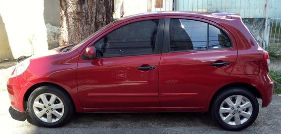 Nissan March 1.6sv 2013 Flex 5 Portas Vermelho